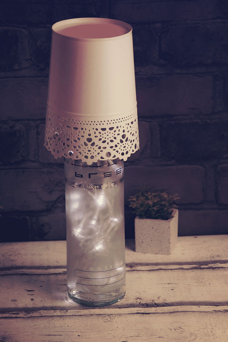 DIY Lampe aus Flaschen Bree Wein